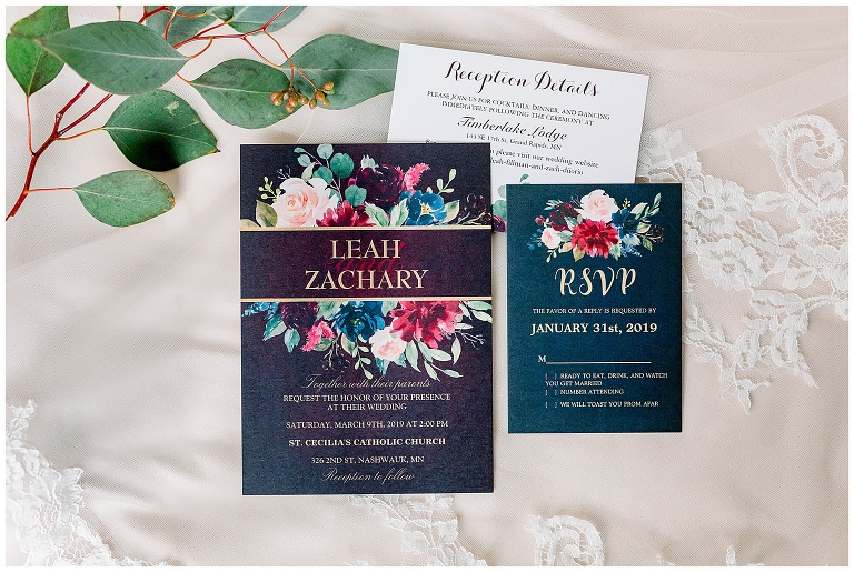 Wedding Invitations Mn: An Iron Range Winter Wedding At The Timberlake Lodge In